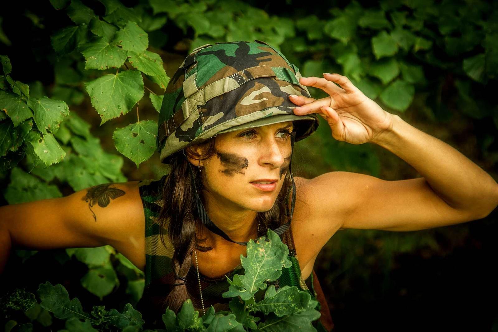 Картинки приколы женщин военных, фотограф