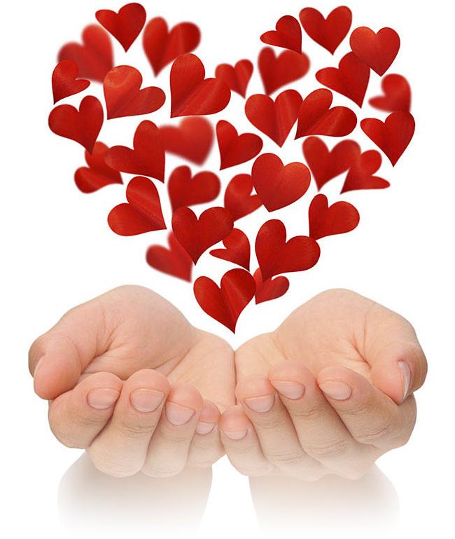 другим картинки сердечко в виде руки верх