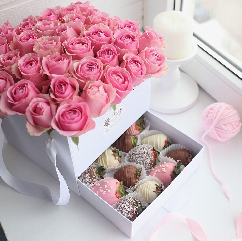 Пятницей, розы в коробке открытка