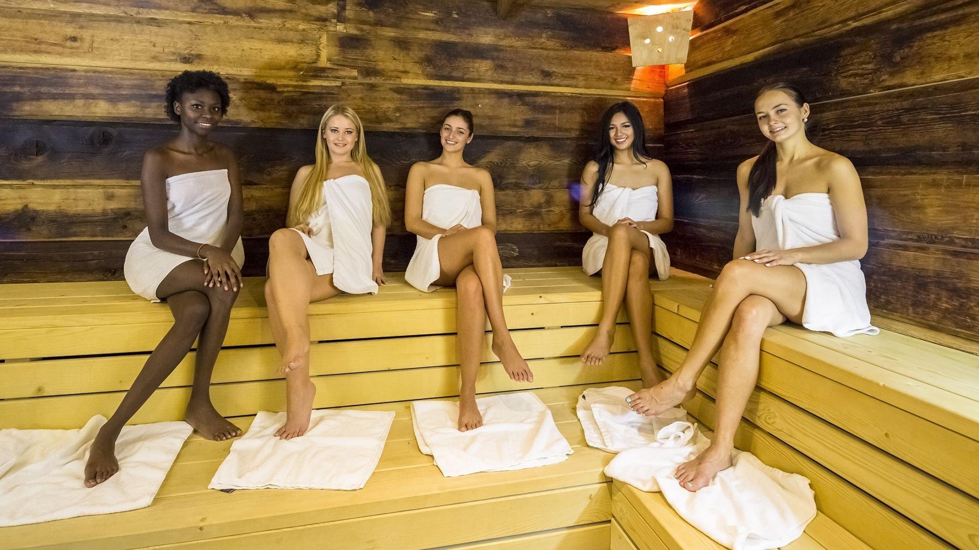 foto-telki-massazhistki-v-saune