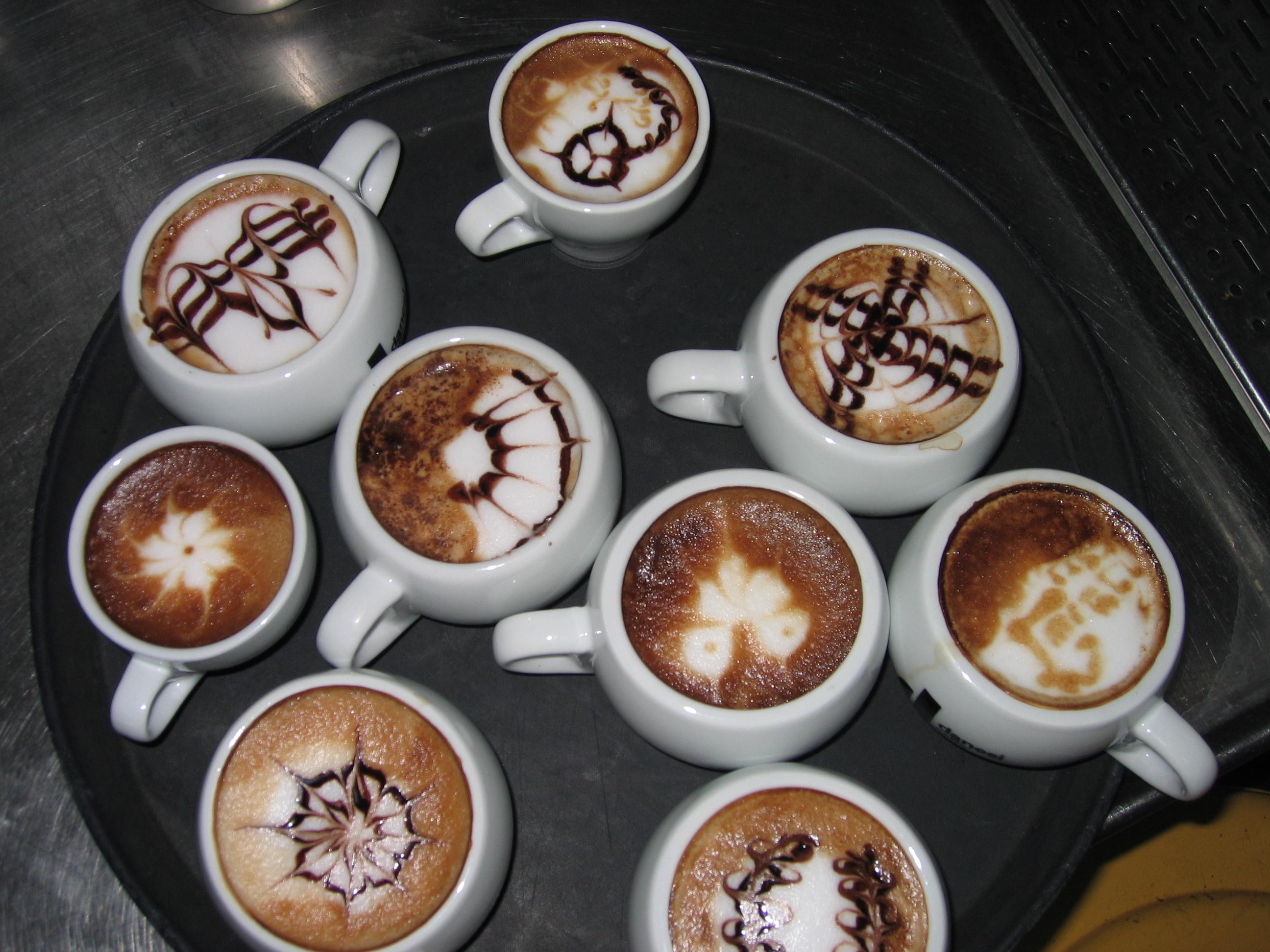 тем, кто много чашек кофе фото женщин сединой