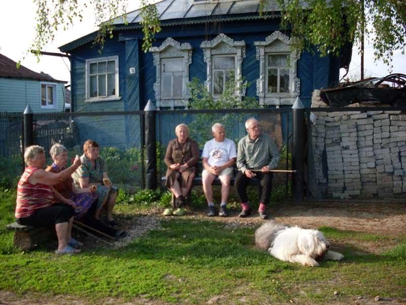 v-derevne-na-ulitse-roliki-russkoe-samodelnoe-video-zhena