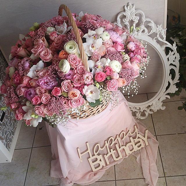 Поздравлениями старым, картинки с днем рождения красивый букет цветов