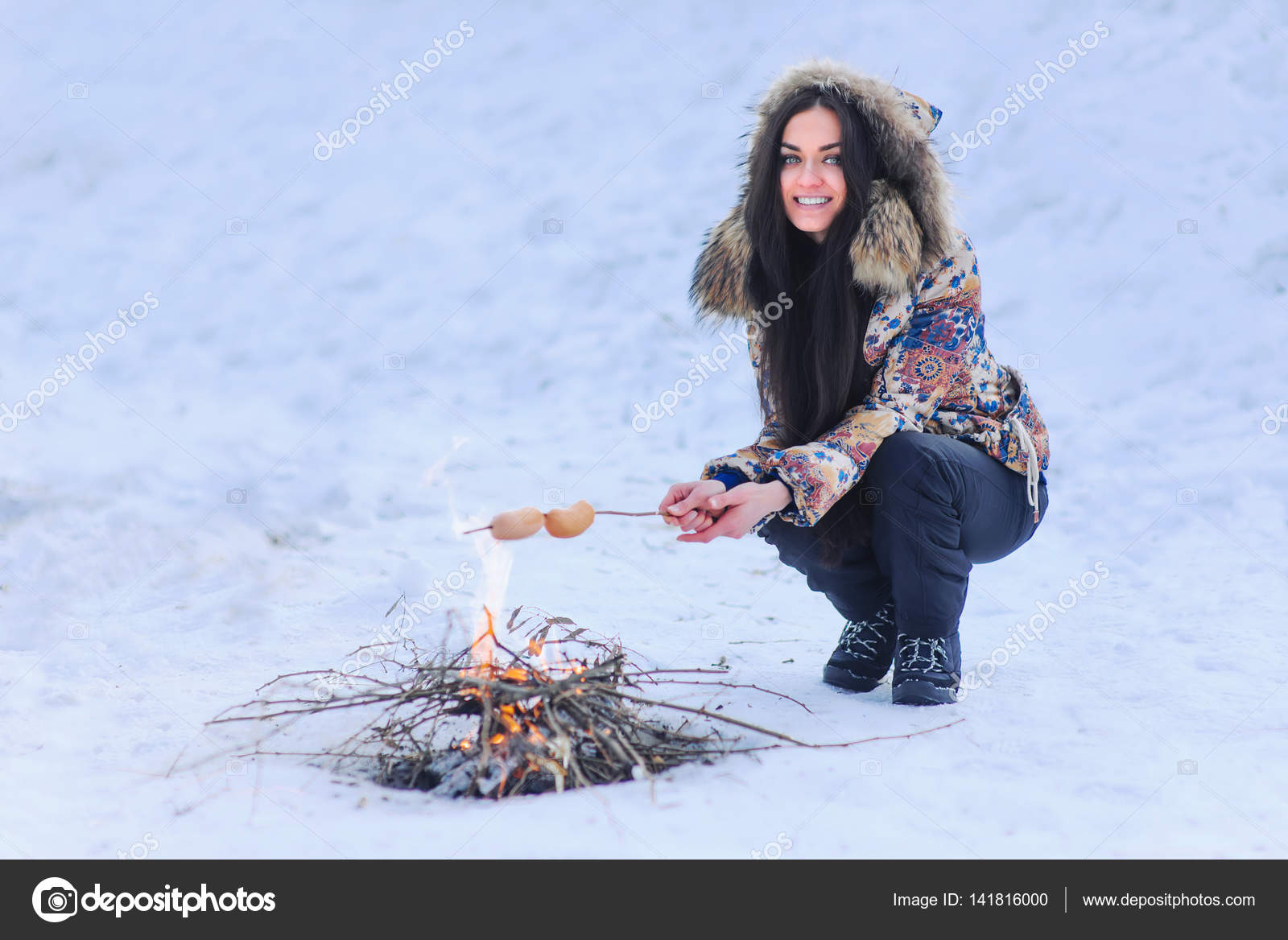 depositphotos_141816000-stock-photo-outdoors-winter-barbecue-woman-cooking.jpg