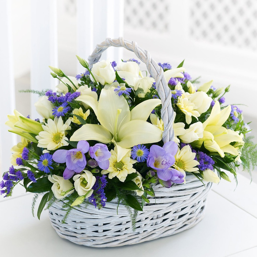 http://ne-kurim.ru/forum/attachments/flowers_in_basket_28-jpg.84850/