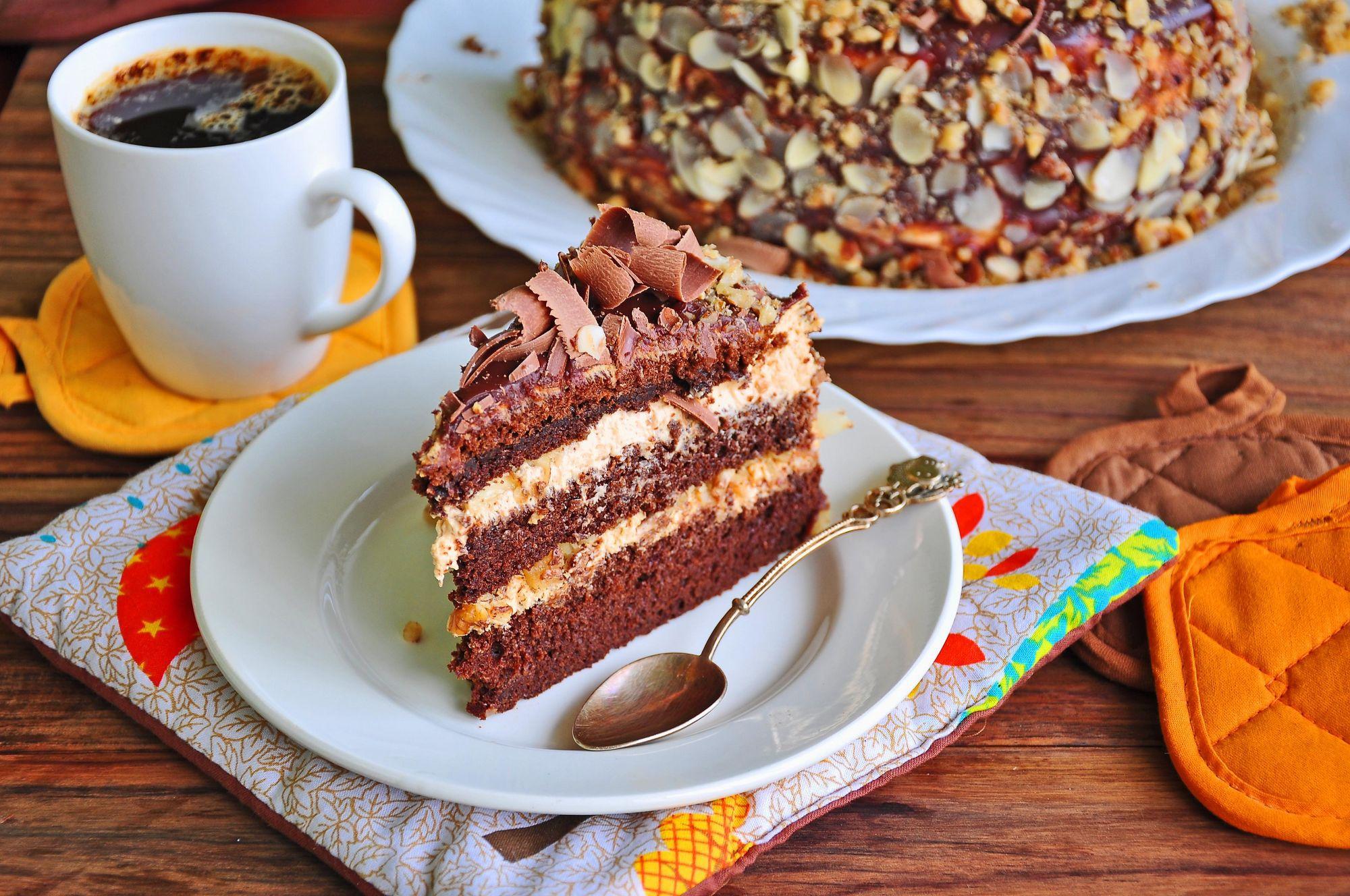 Пирожное и кофе фото