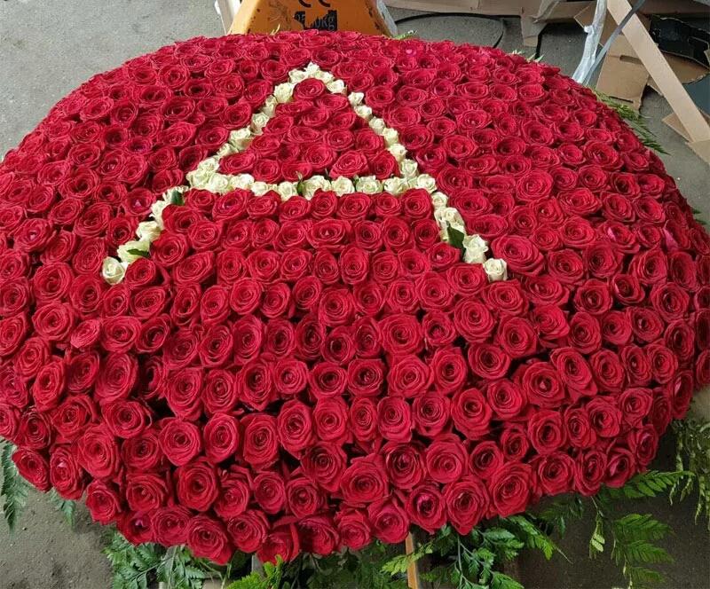 Букет тысяча роз картинка