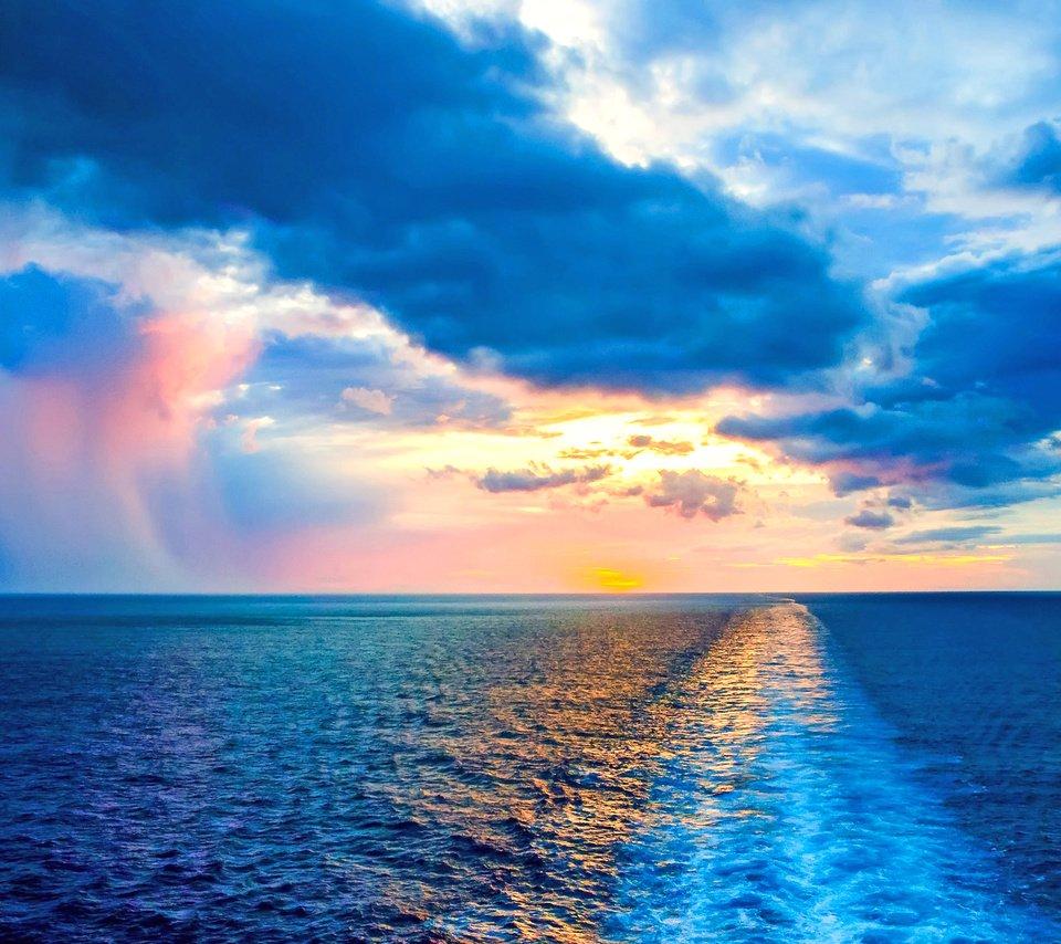 oblaka-more.jpg