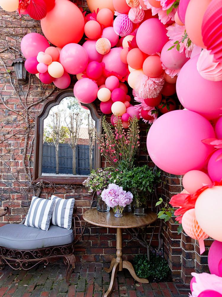 часто картинка с красивыми цветами и шариками давила