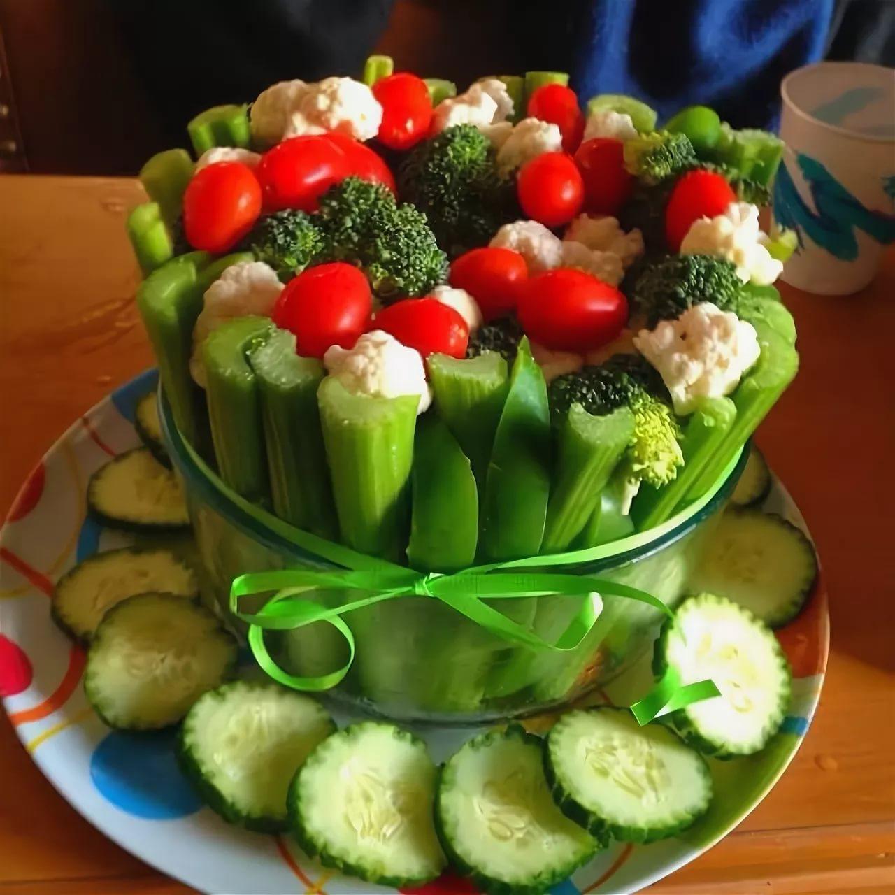 нашего поздравления овощами на день рождения крепко полюбилась цветоводам